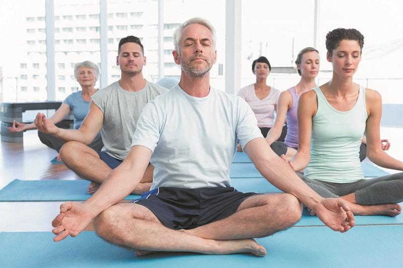 Hãy theo dõi bài viết dưới đây để tìm hiểu chi tiết về việc gai cột sống có nên tập yoga không?