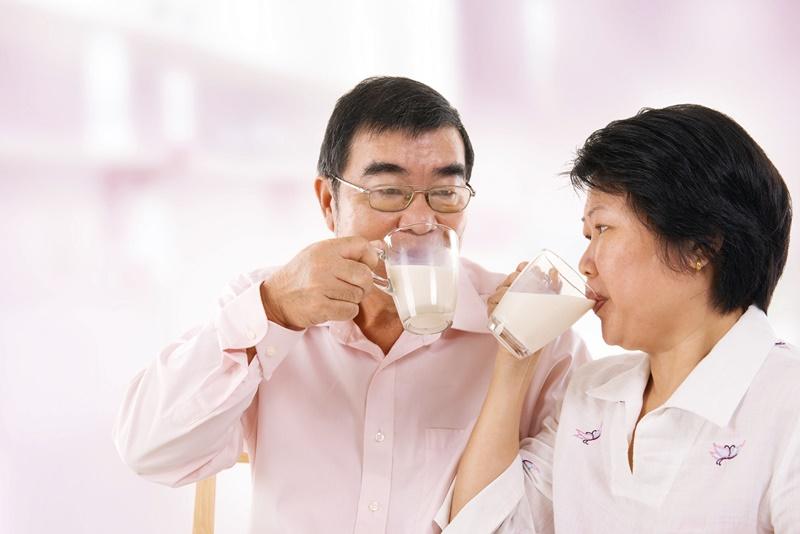 Sữa là thực phẩm chứa nhiều chất dinh dưỡng và là nguồn bổ sung chính các khoáng chất cần thiết cho cơ thể, đặc biệt là canxi