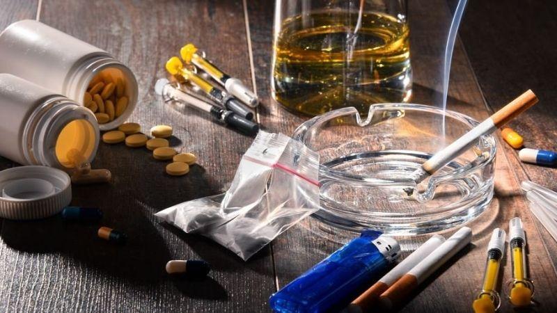 Người bệnh không nên sử dụng các chất kích thích