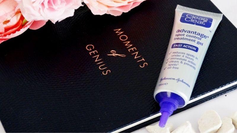Đẩy lùi các nốt mụn ẩn bằng Clean and Clear Advantage Acne Spot Treatment