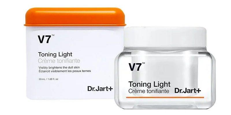 V7 Toning Light cải thiện thâm mụn rất tốt