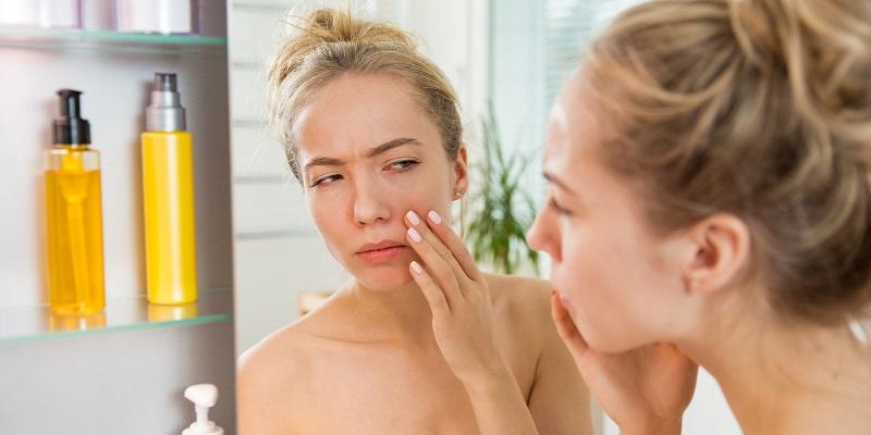 Vệ sinh da không sạch sẽ gây nên mụn