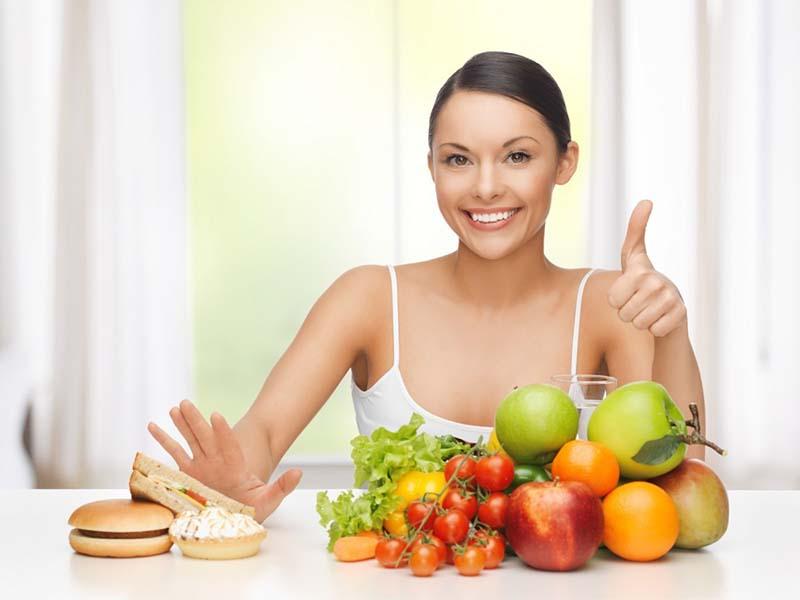 Ăn nhiều rau củ, trái cây sẽ giúp điều trị mụn hiệu quả hơn