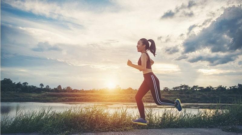 Người bệnh cần làm nóng cơ thể và chạy đúng tư thế để tránh nguy cơ bị chấn thương
