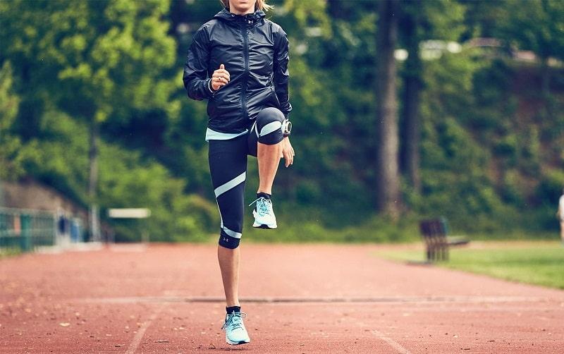 Cần lựa chọn trang phục phù hợp và đi giày vừa chân khi chạy
