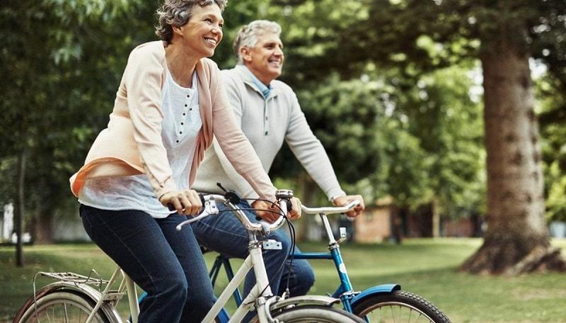 Đạp xe có nhiều lợi ích cho sức khỏe, nhất là đối với người bị thoái hóa khớp gối