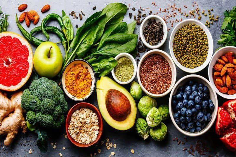 Người bị trào ngược họng thanh quản cần biết lựa chọn thực phẩm hợp lý để giảm axit dạ dày gây bệnh