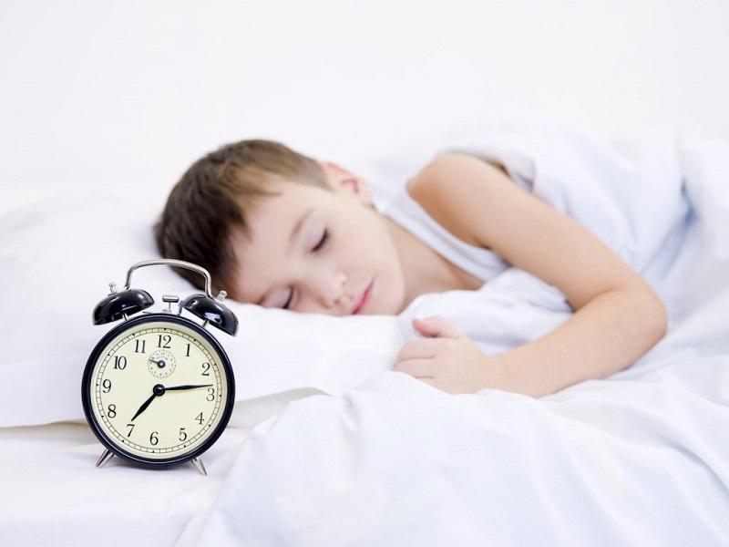 Trẻ em khó ngủ phải làm saio? Cha mẹ cần tạo thói quen đi ngủ cho trẻ