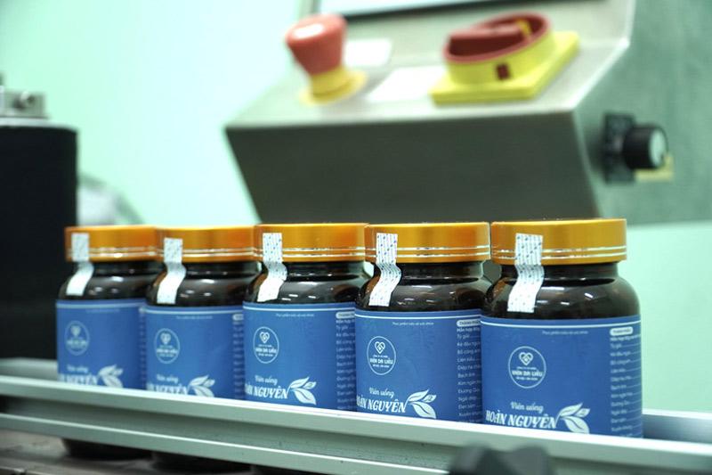 Quy trình sản xuất hiện đại, khép kín của Bộ sản phẩm Mụn trứng cá Hoàn Nguyên