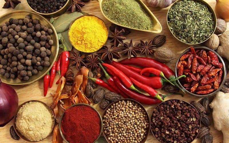 Ớt, tiêu và một số thực phẩm có tính nóng khác rất có hại cho đại tràng