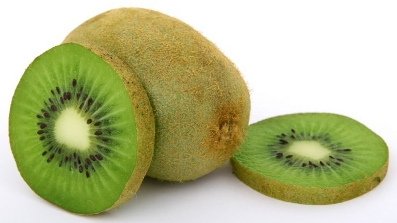 Kiwi có chứa hàm lượng vitamin C cao