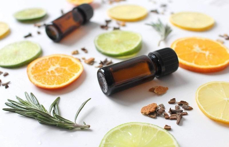 Nên sử dụng các sản phẩm chăm sóc da chứa vitamin C vào ban ngày