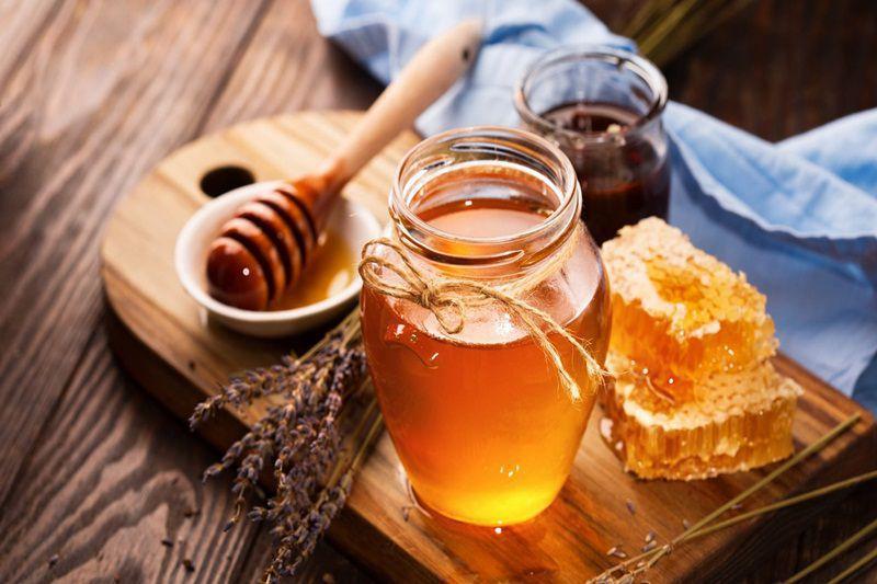 Ăn gì để trắng da từ bên trong - câu trả lời đó là mật ong