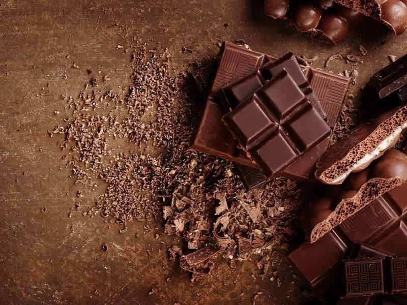 Bạn nên dùng socola đen thay vì socola trắng