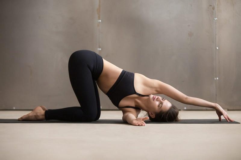 Bài tập luồn kim mang lại hiệu quả cải thiện tình trạng đau mỏi vai gáy hiệu quả