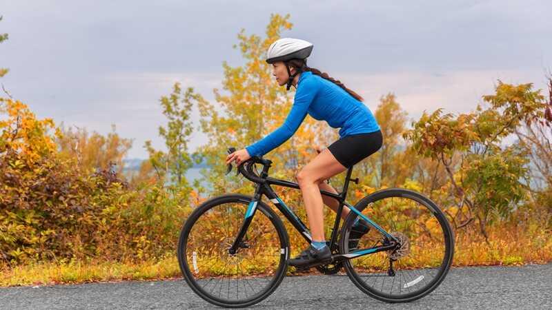Đạp xe giúp cơ bắp và xương khớp được chắc khỏe hơn