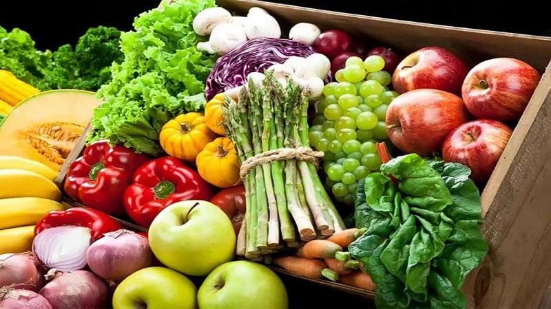 Người bị bệnh trĩ phải bổ sung nhiều rau củ, các thực phẩm có chất xơ và vitamin để phòng ngừa bệnh