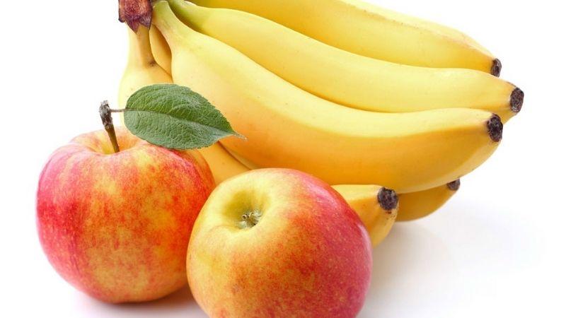 Bạn nên ăn chuối và táo