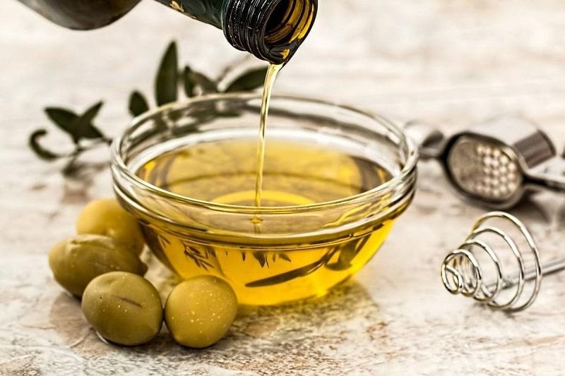 Sử dụng mặt nạ dầu oliu