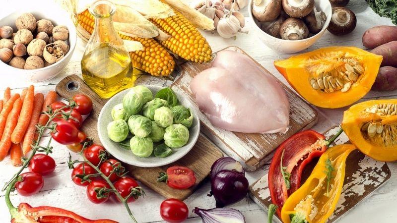 Nên bổ sung nhiều thực phẩm có lợi cho da