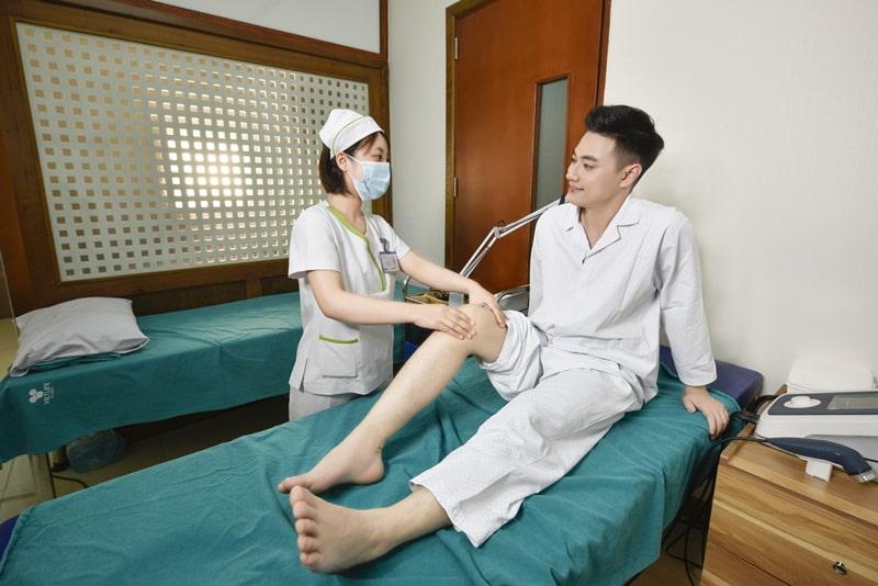 Nếu xuất hiện các dấu hiệu lạ, người bệnh nên đến những cơ sở y tế gần nhất để thăm khám.