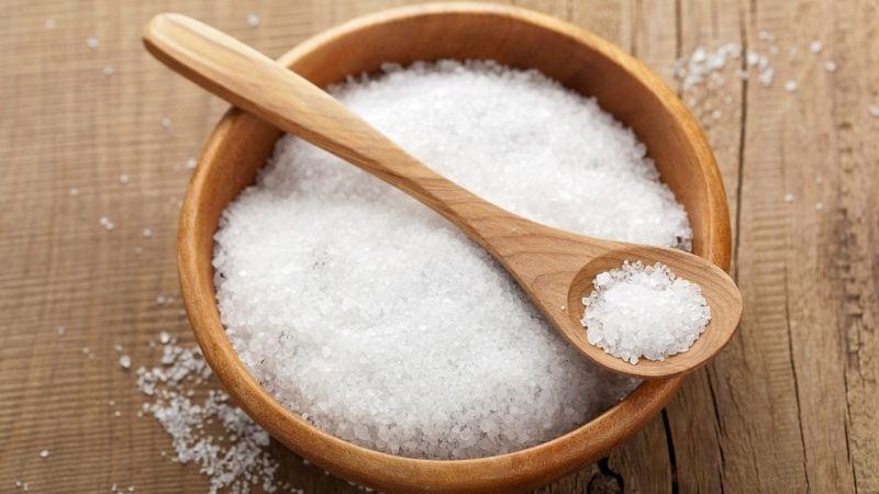 Muối cũng mang tới hiệu quả dưỡng da tay rất tốt