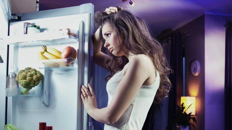 Ăn khuya không tốt cho sức khỏe