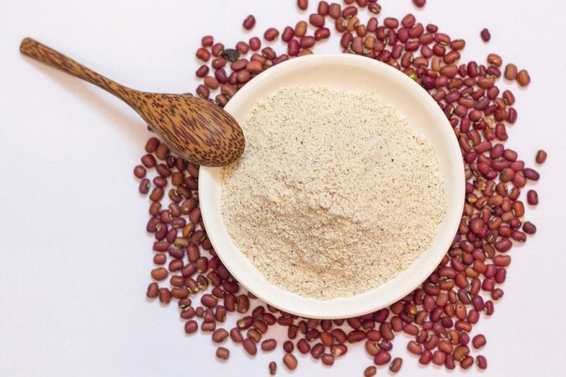 Bột đậu đỏ chứa nhiều dưỡng chất tốt có thể cải thiện da hiệu quả