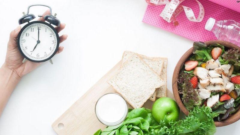 Chú ý tới khung giờ ăn uống cố định mỗi ngày