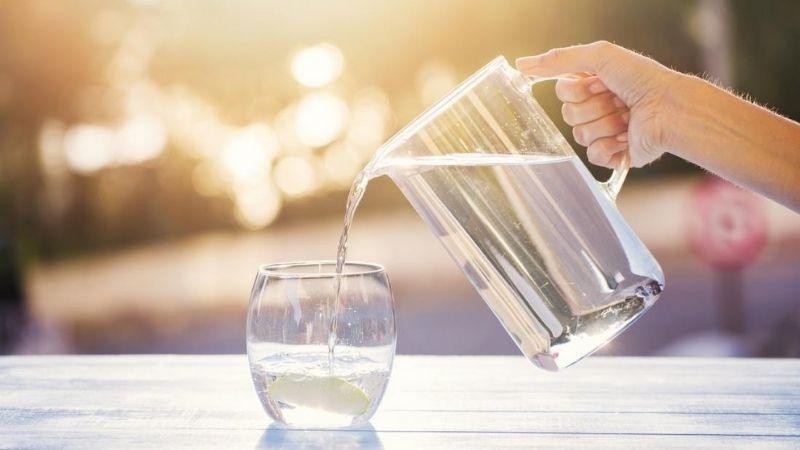 Bạn cũng nên uống nhiều nước
