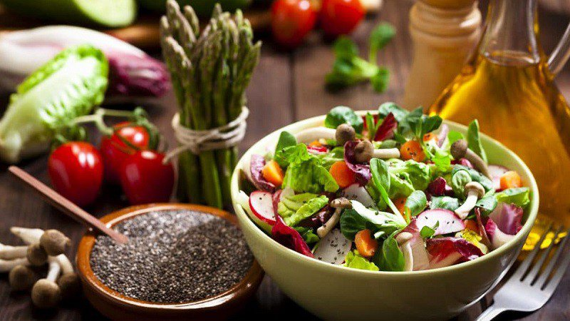 Làm salad giảm cân với hạt chia hiệu quả