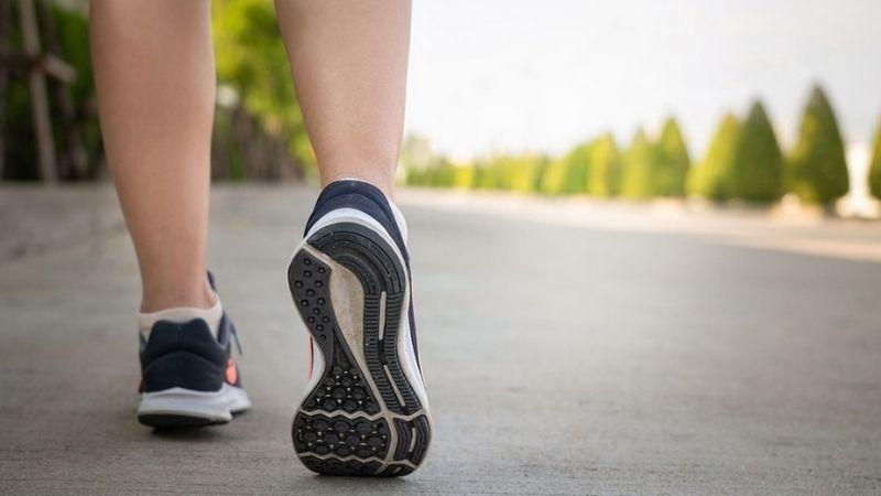 Đi bộ giúp giảm cân sau sinh hiệu quả