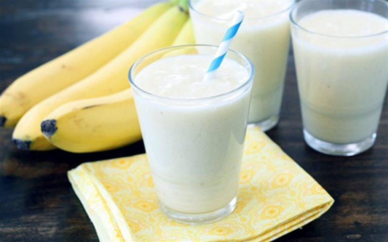 Giảm cân với chuối và sữa không đường