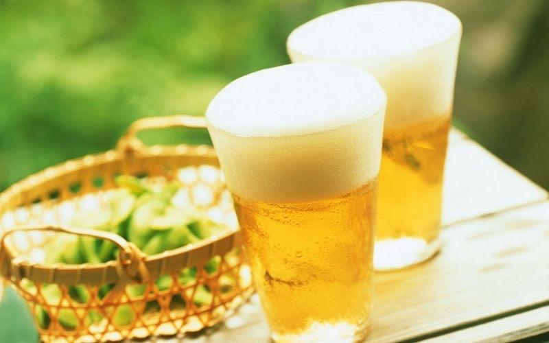 Làm trắng da bằng bia đang là phương pháp được đông đảo chị em áp dụng hiện nay