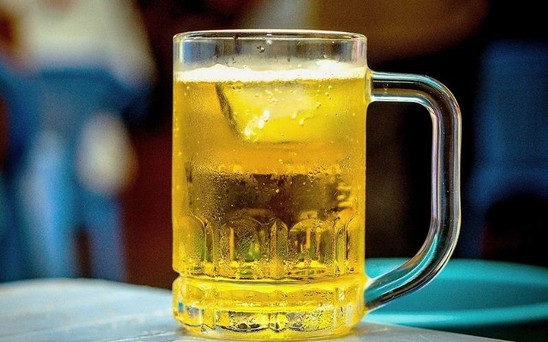 Trong bia chứa nhiều vitamin và khoáng chất rất toosrt cho làn da
