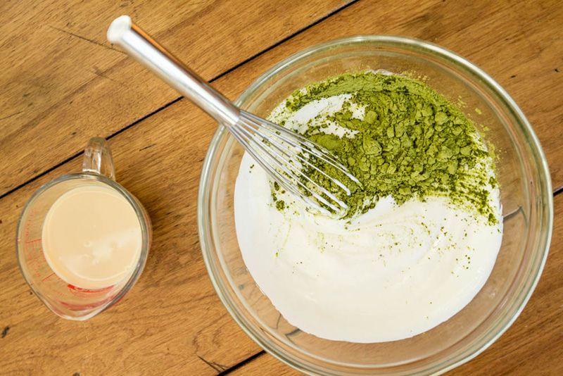 Sự kết hợp giữa sữa tươi và bột trà xanh