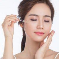 Top 10 serum dưỡng trắng da mờ thâm dành cho cả nam và nữ 2021