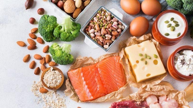 Thêm nhiều protein vào các bữa ăn để tăng cân hiệu quả