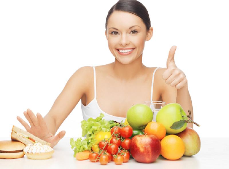 Chế độ ăn cũng ảnh hưởng rất nhiều đến làn da của bạn