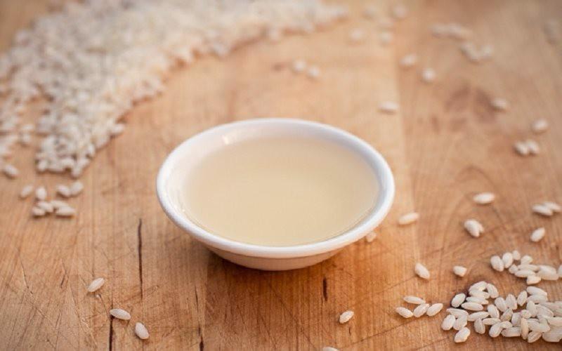 Khi kết hợp giấm gạo với nghệ tươi sẽ giúp cải thiện tình trạng nám da rất hiệu quả