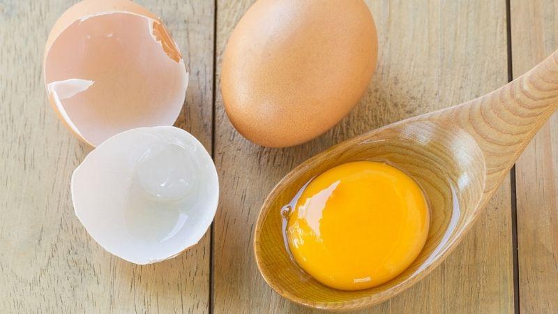 Mẹo dùng nghệ cùng lòng đỏ trứng gà được rất nhiều người tin dùng
