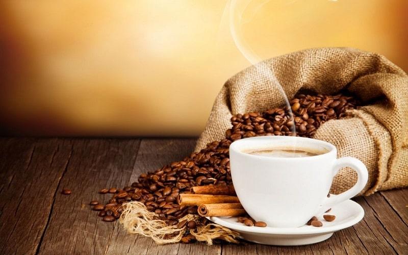 Bạn nên sử dụng cà phê khi ăn xong và khi cà phê còn nóng