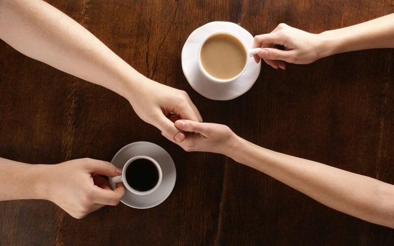 Nên hạn chế lượng sữa khi pha chế cà phê để tốt cho việc giảm cân
