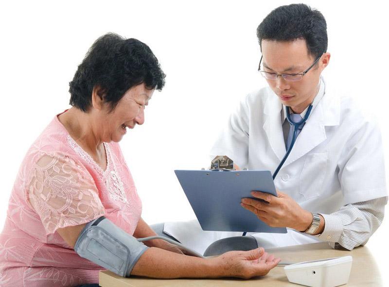 Cần tư vấn bác sĩ khi mua và sử dụng các loại thực phẩm chức năng và thuốc chống đột quỵ