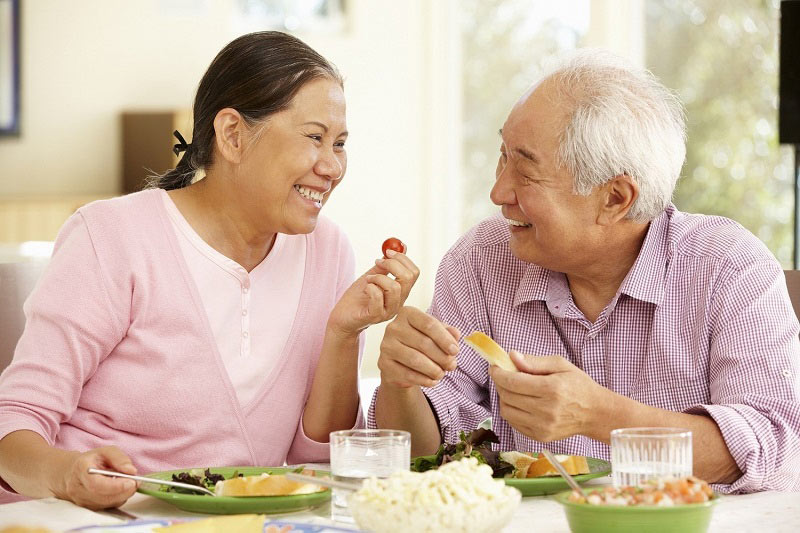 Cần ăn uống và sinh hoạt lành mạnh kết hợp dùng sản phẩm bổ trợ và thuốc chống đột quỵ của Úc