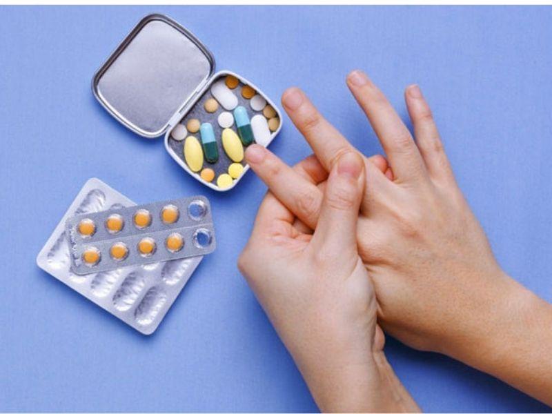 Trước khi sử dụng các loại thuốc chữa gout bạn nên tìm hiểu kỹ xem có phù hợp với bản thân